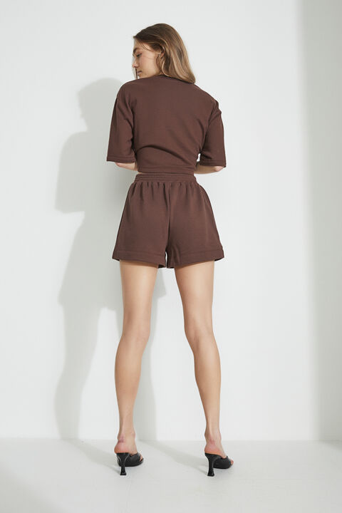 THE CROP SWEAT in colour CHOCOLATE BROWN