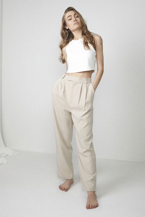 TUCK FRONT TROUSER in colour MOONLIGHT