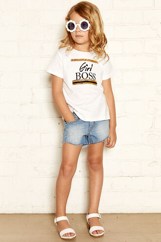 GIRL BOSS TEE in colour CLOUD DANCER