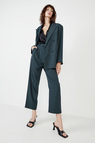 THE OVER SIZED BLAZER in colour EDEN