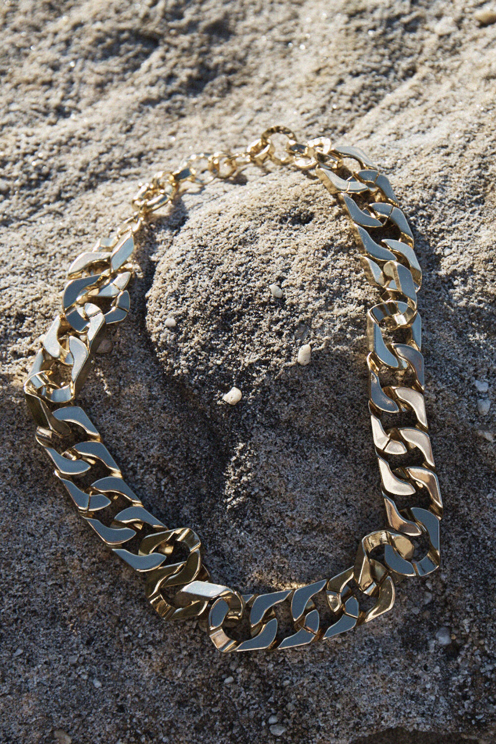 GOLD PLATED CHUNKY NECKLACE in colour GOLD EARTH