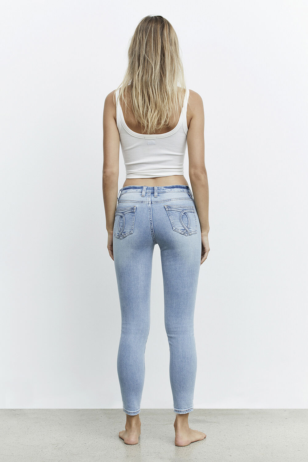 KATE LOW RISE JEAN in colour NIGHTSHADOW BLUE
