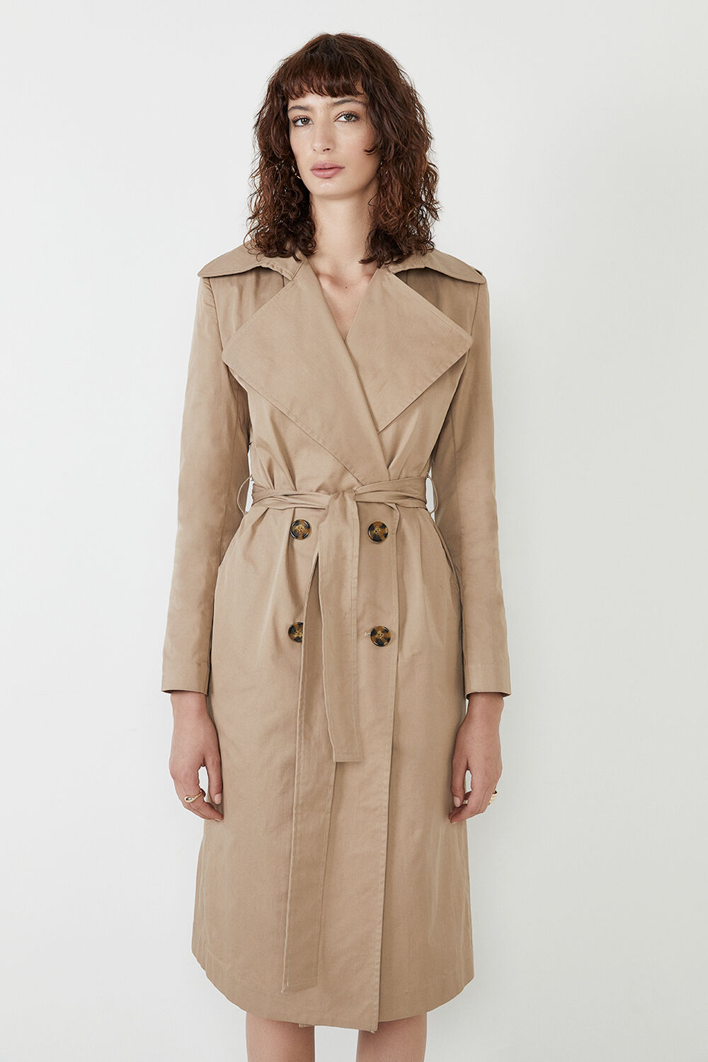 THE CLASSIC TRENCH in colour TAN