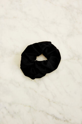 MESH SCRUNCHIE in colour CAVIAR