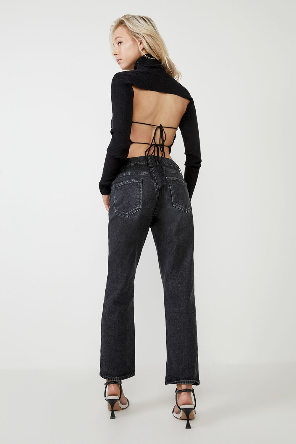 BACKLESS KNIT TOP in colour CAVIAR