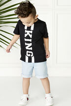 THE KING TEE in colour JET BLACK