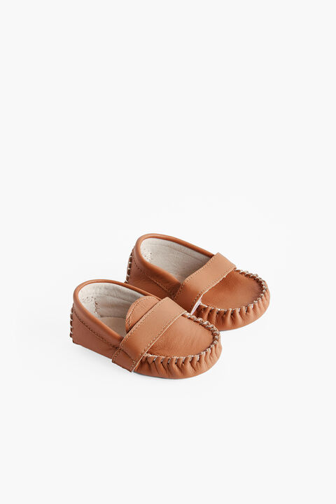 HUDSON LEATHER BABY SHOE in colour TAN