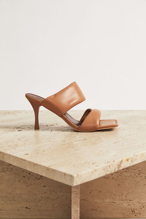 LEATHER STRAPPY HEEL in colour TAN