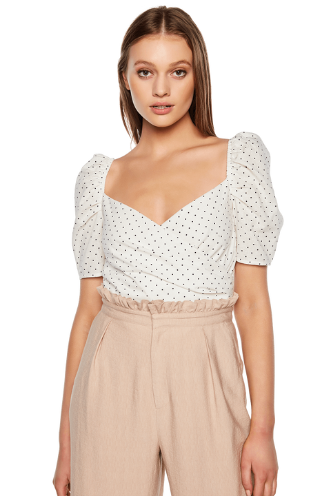 BUTTON BACK TOP in colour CLOUD DANCER