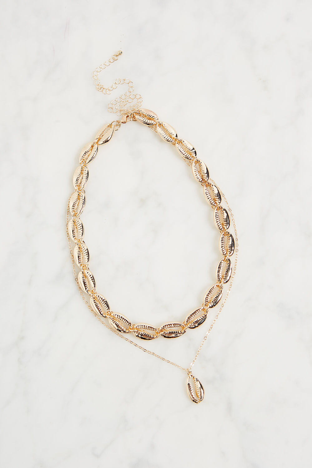 SHELL CHOKER NECKLACE in colour GOLD EARTH