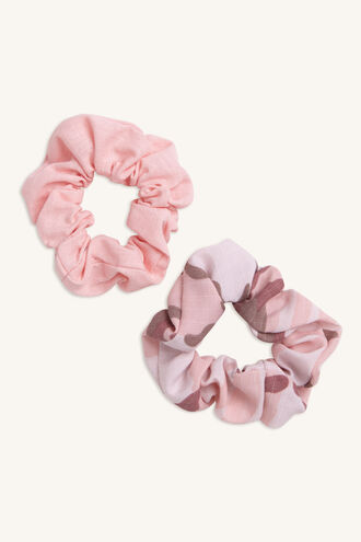 CAMO 2PK SCRUNCHIE in colour WHITE ALYSSUM
