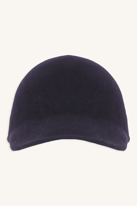 MOULDED FELT CAP in colour BLACK IRIS