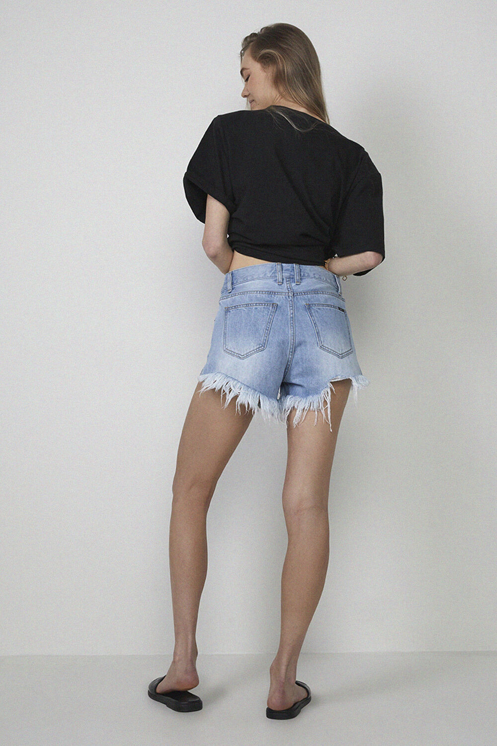 DENIM CUT OFF SHORT in colour TRUE NAVY