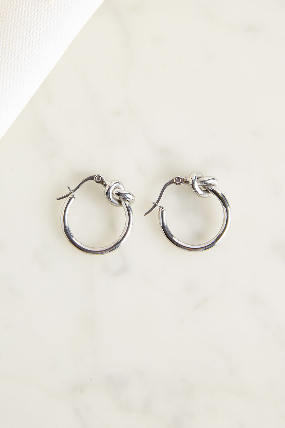 KNOT EARRINGS in colour SILVER