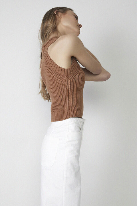 KNIT SLEEVELESS TOP in colour TAN