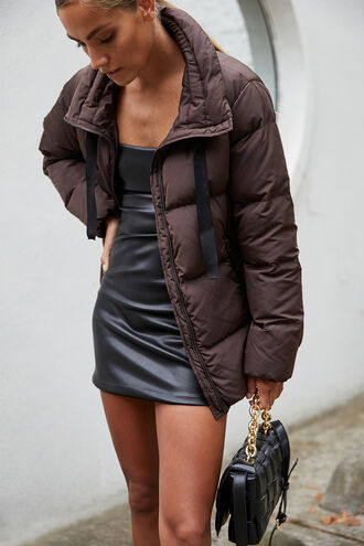 MIA PUFFER JACKET in colour CHOCOLATE BROWN