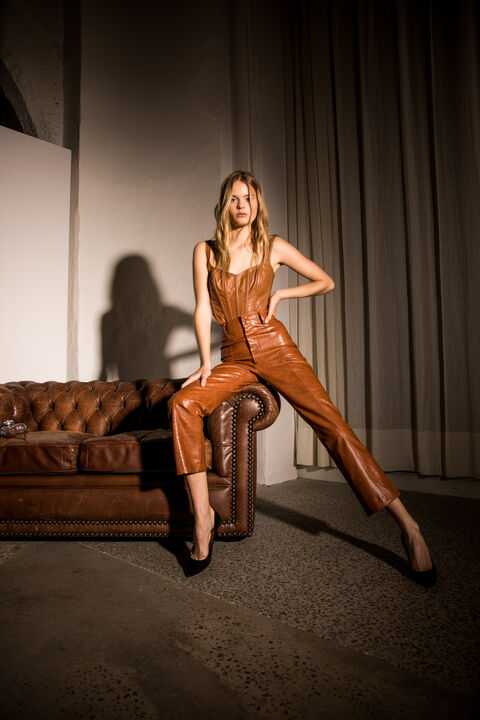 CROC VEGAN LEATHER PANT in colour TOBACCO BROWN