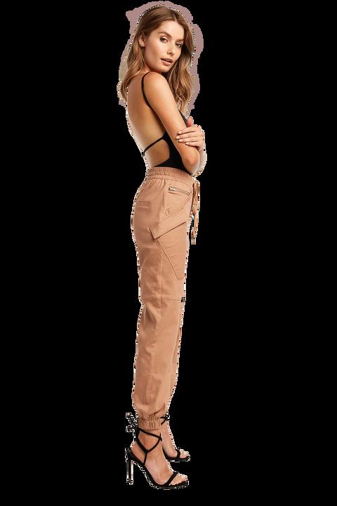 CARGO ZIP PANT in colour PRALINE
