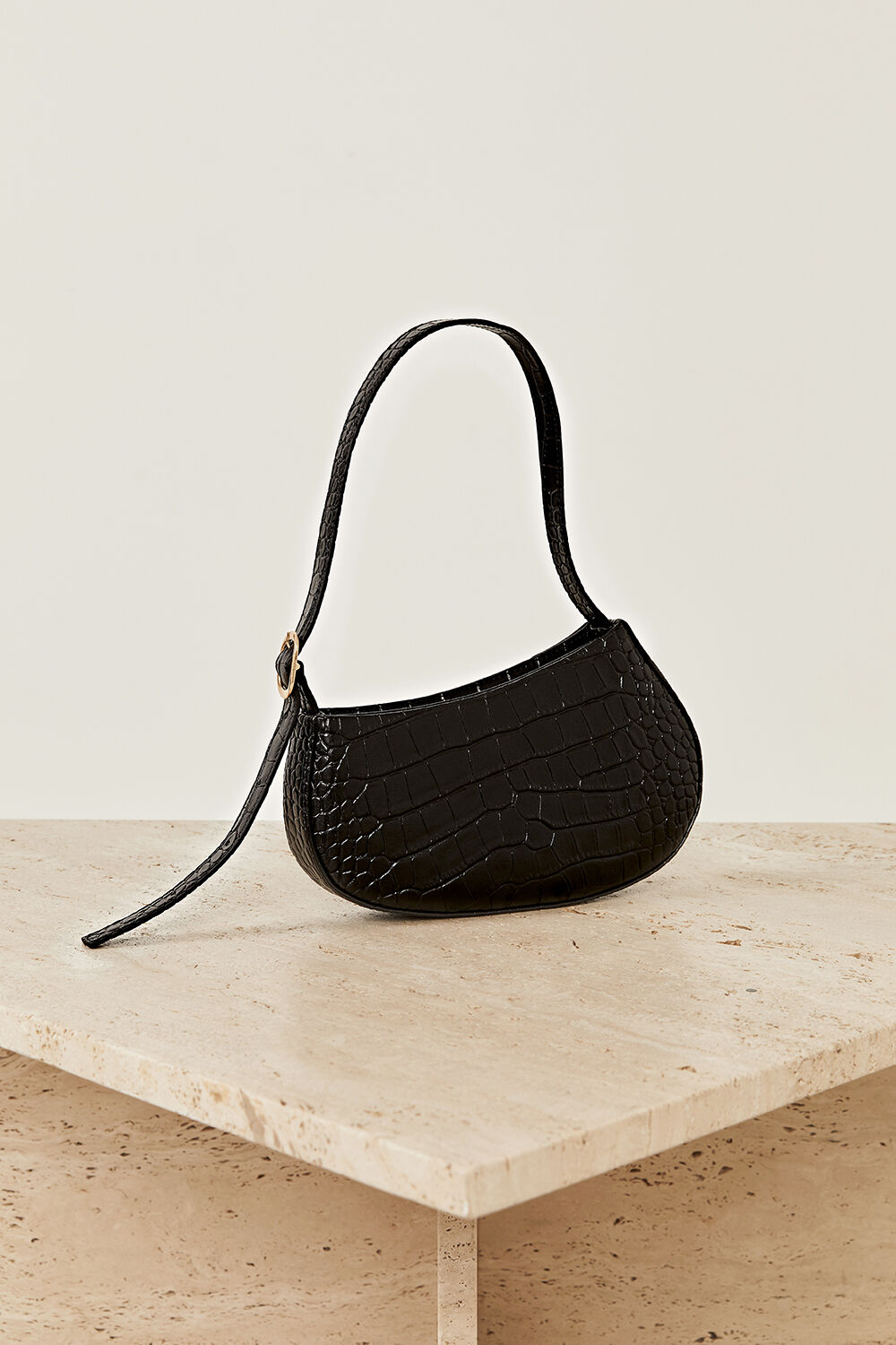 THE CEILA LEATHER BAG  in colour CAVIAR