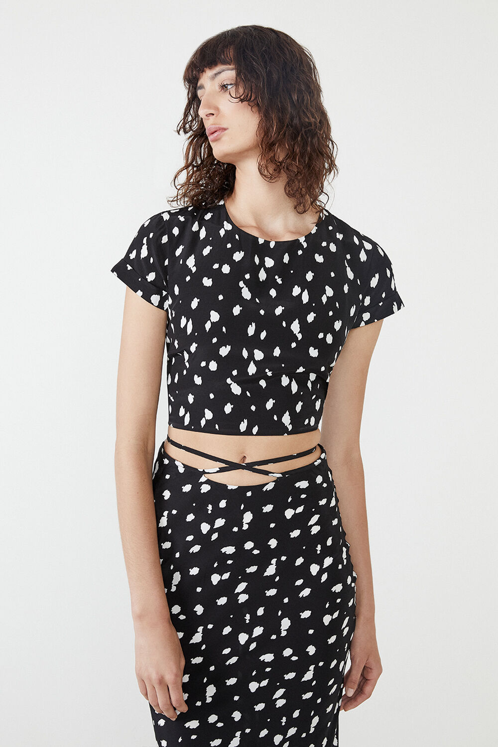 BACKLESS ABSTRACT SPOT TOP  in colour TAP SHOE