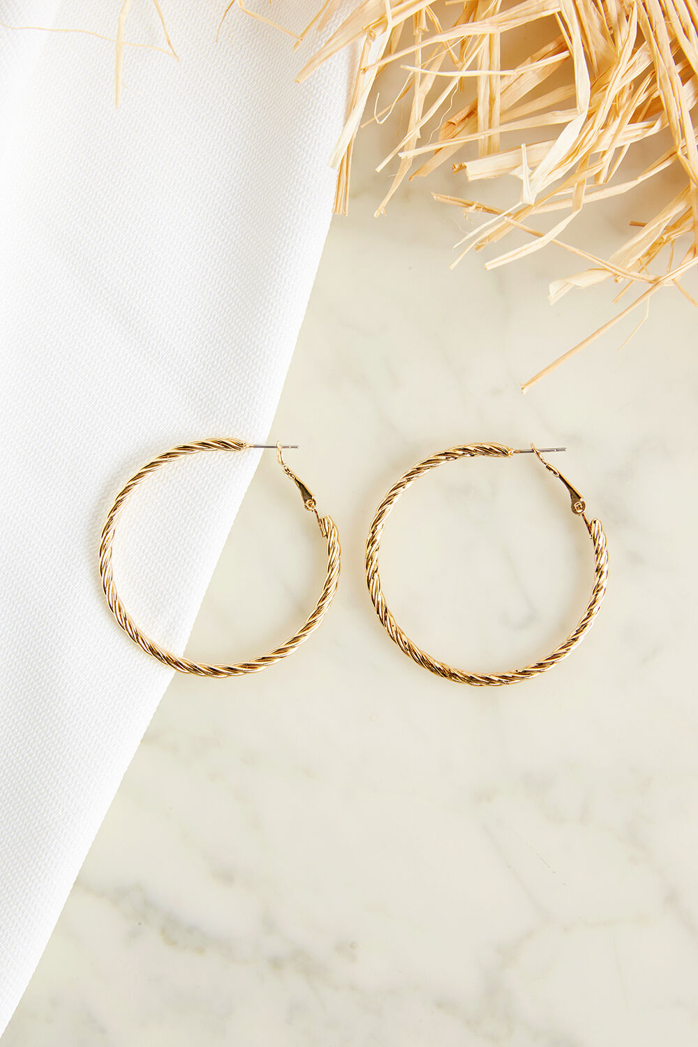 TWIST HOOP EARRINGS in colour GOLD EARTH