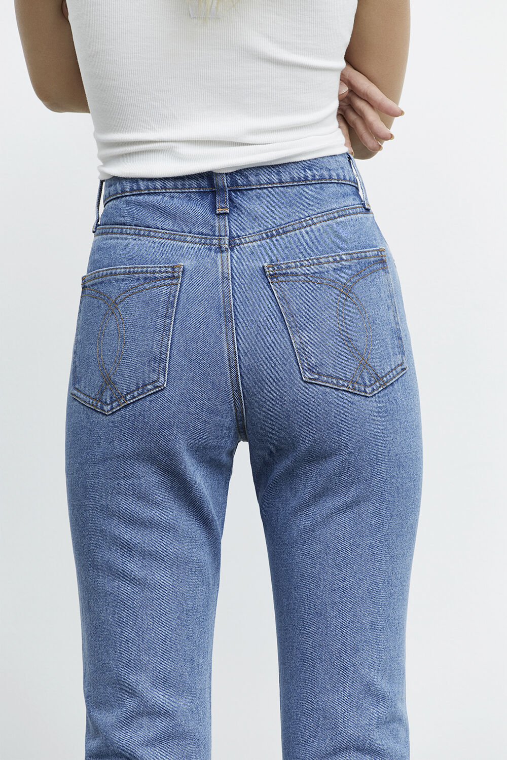 GISELE STRAIGHT LEG JEAN in colour TRUE NAVY