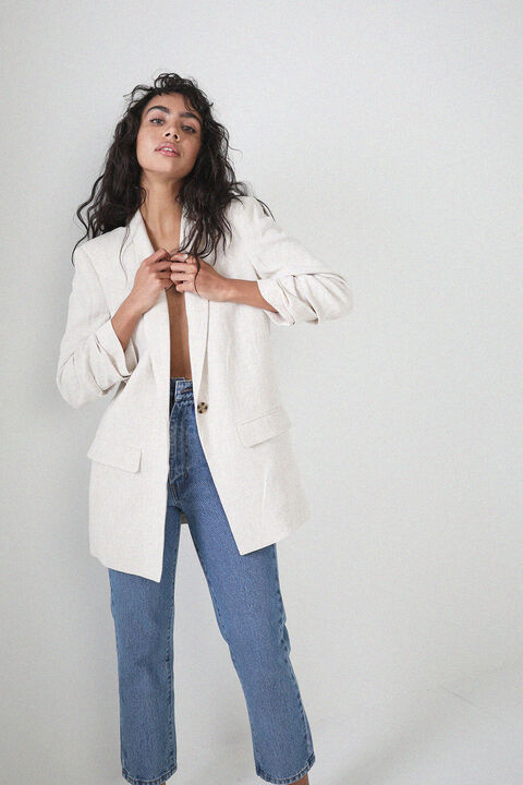 TUCK SLEEVE LINEN BLAZER in colour MOONLIGHT