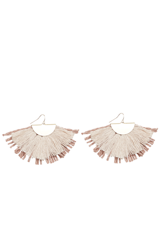 FAN FRINGED STRAW EARRINGS in colour DUSTY PINK