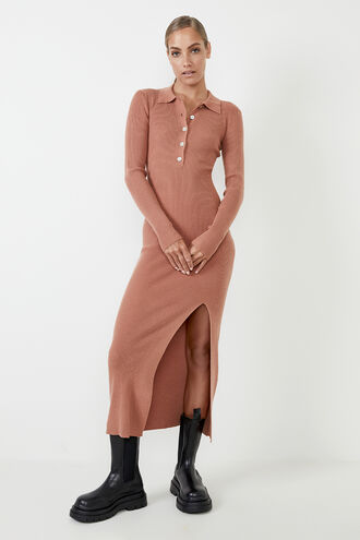 COLLAR KNIT DRESS in colour COPPER BROWN