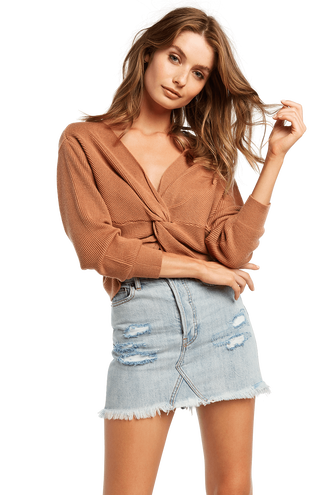 ROMIE TWIST CROP KNIT in colour COPPER BROWN