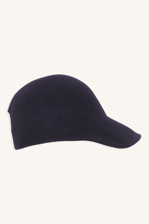 MOULDED FELT CAP in colour BLACK IRIS
