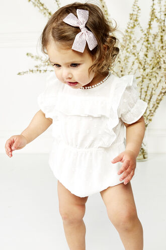 ABBIE S/S RUFFLE GRW in colour CLOUD DANCER