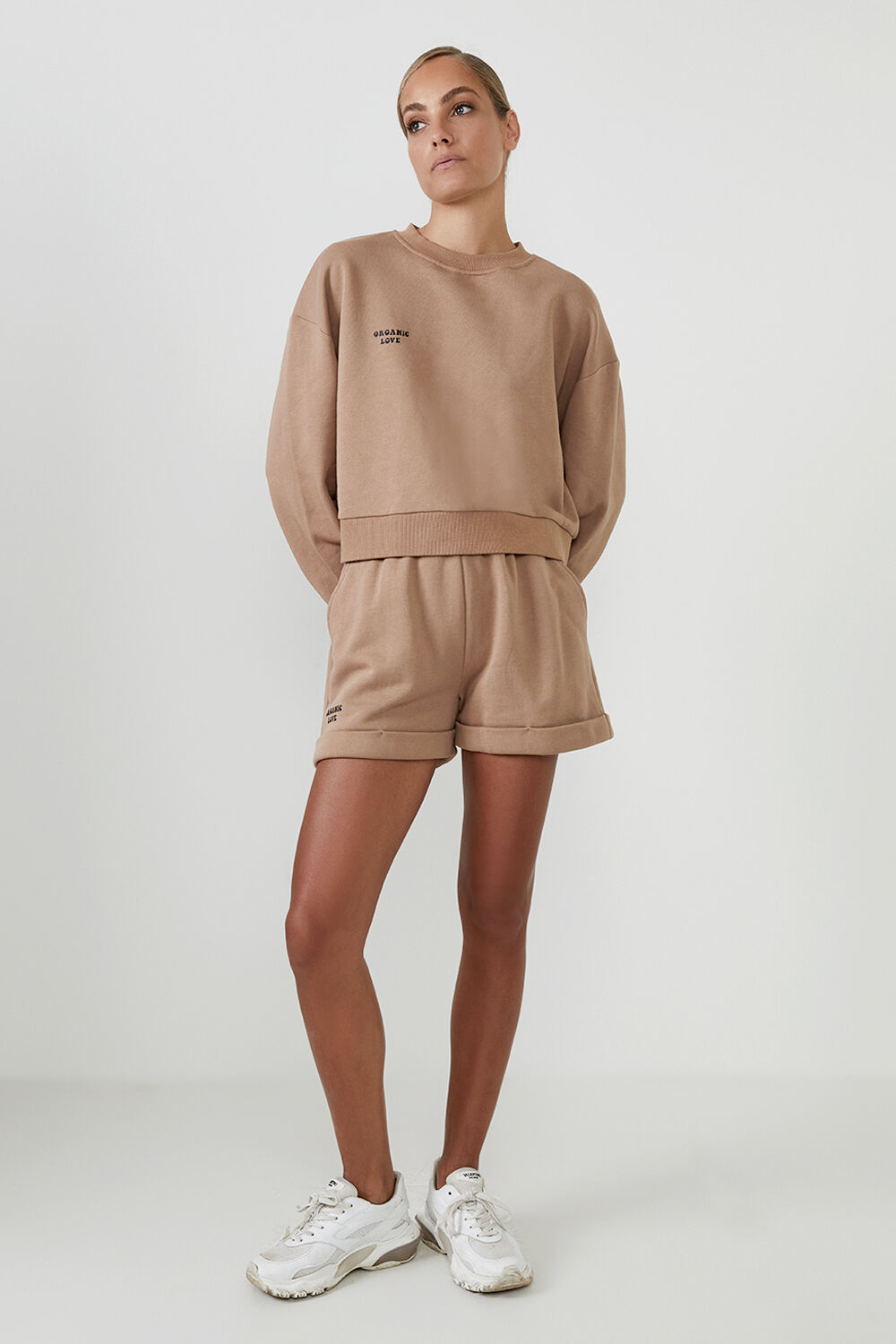 THE ORGANIC OVERSIZED SWEAT  in colour TAN