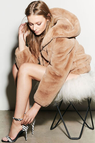GIGI ZIP FUR JACKET in colour ALMOND