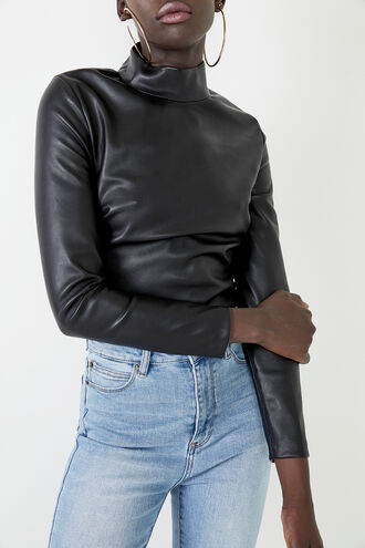 VEGAN LEATHER TOP in colour CAVIAR