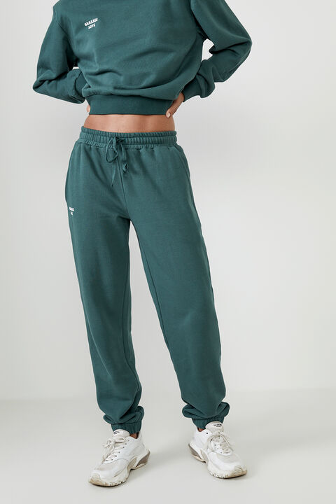 THE ORGANIC SWEAT PANT  in colour GREEN GABLES