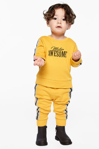 MR AWESOME SWEATER in colour GOLDEN GLOW