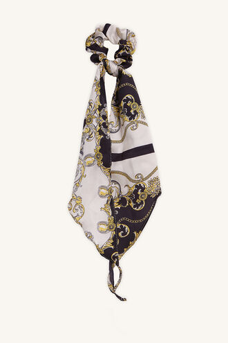 CHAIN SCARF in colour WHITE ALYSSUM