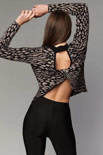 LEOPARD TWIST JUMPER in colour JET SET