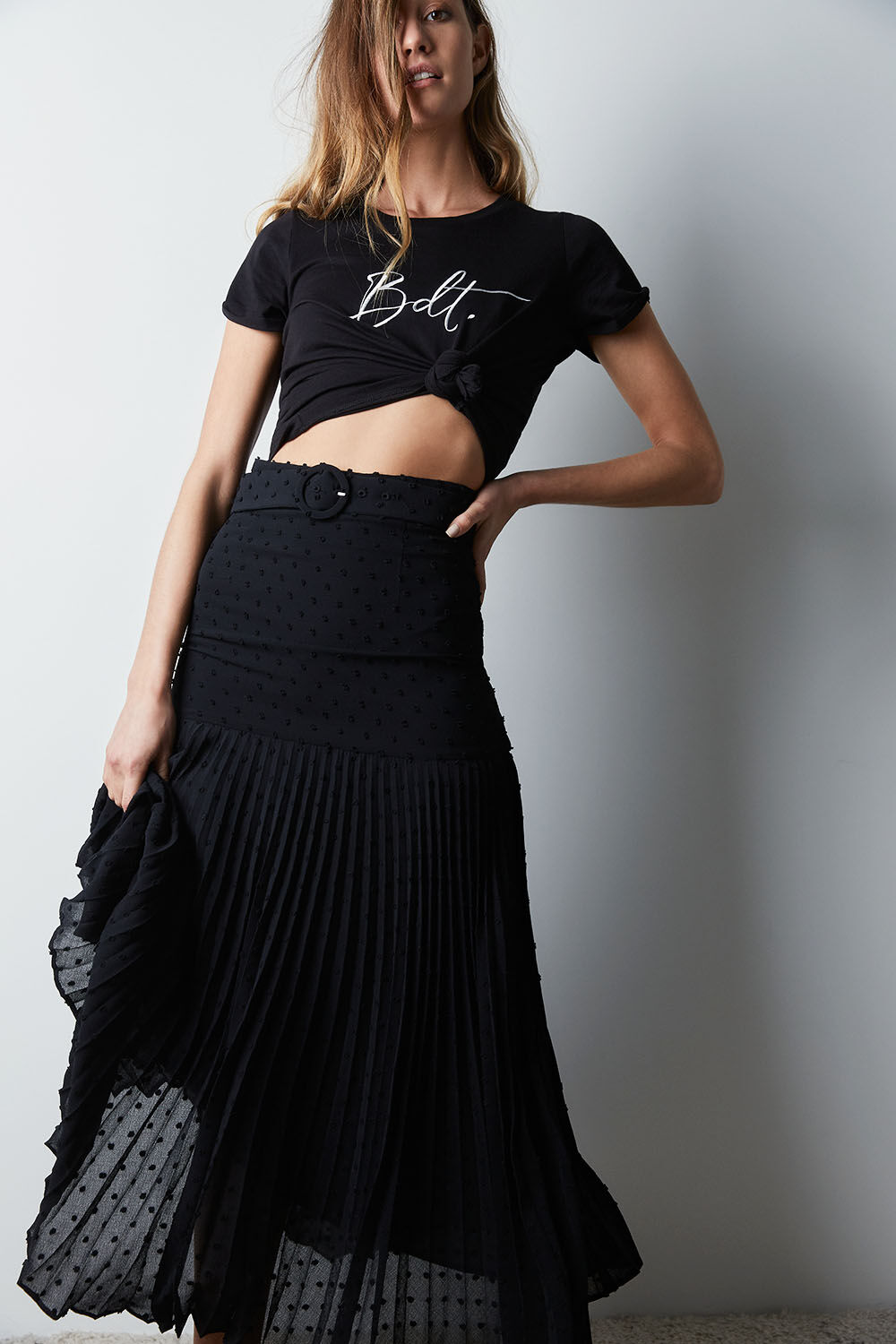 BUCKLE PLEATED SKIRT   in colour CAVIAR