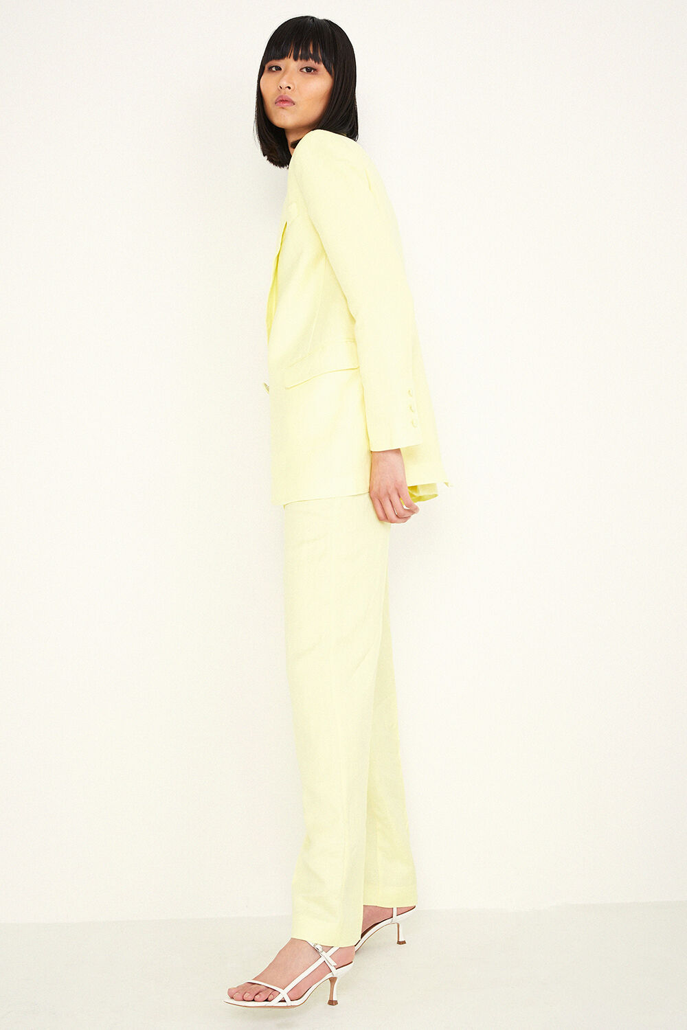 SUMMER LINEN BLAZER in colour BUTTERCUP