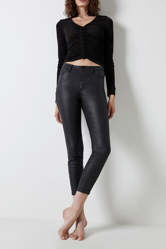 KHLOE CROP COATED in colour JET BLACK
