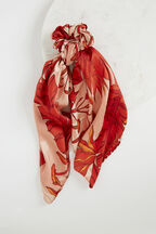 RED PALM SCRUNCHIE SCARF in colour FIESTA