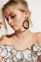 FEATHER HOOP EARRINGS in colour CAVIAR