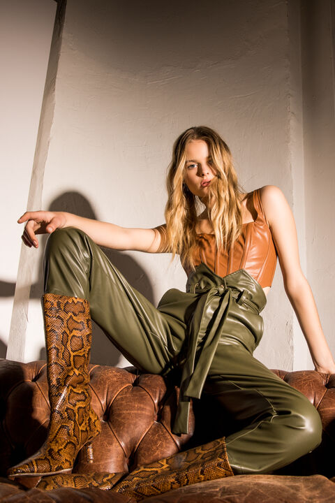 HARTLEY VEGAN LEATHER PANT in colour IVY GREEN