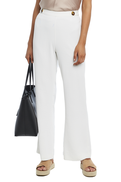 TORTOISE BUTTON PANT in colour CLOUD DANCER